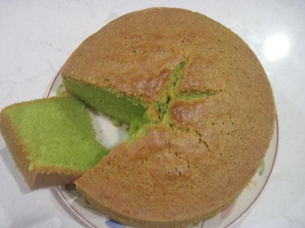 Pandan cakes