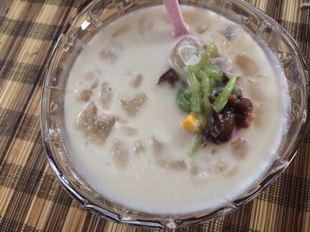 Beverage Cendol With Red Bean Paste and Corn