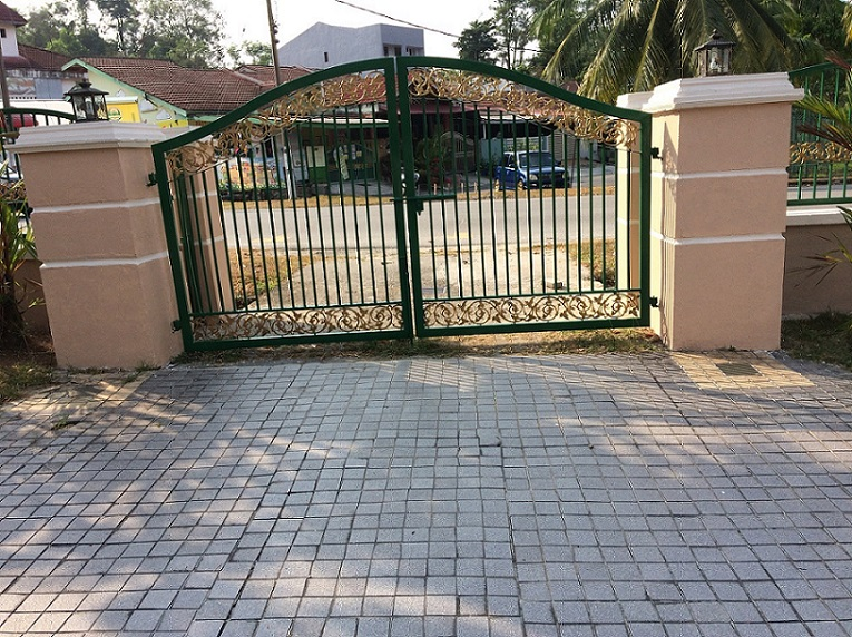 Boundary Wall After Repainting